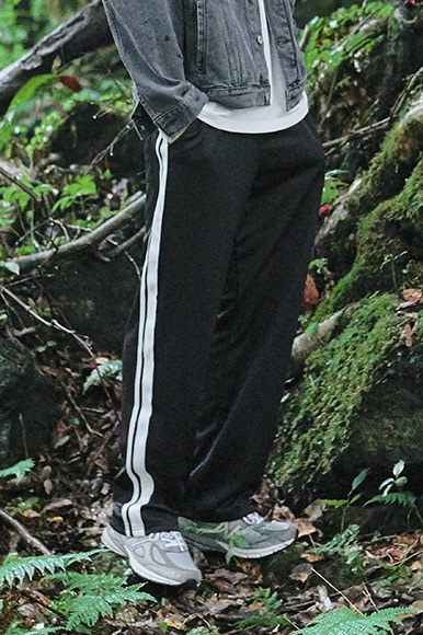 Wide Double Tape Track Pants [Black]