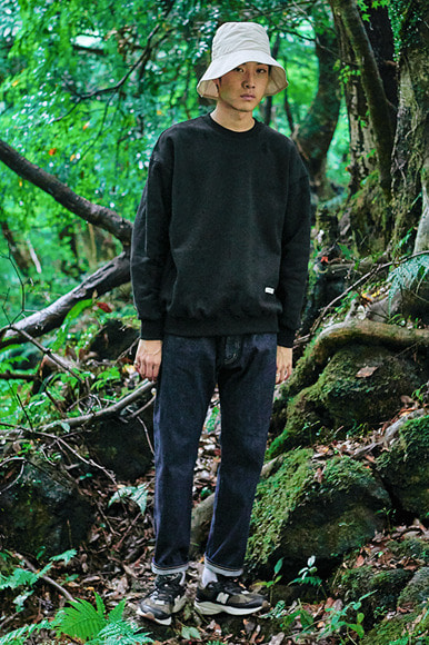 Napping Slab Sweat Shirts [Black]