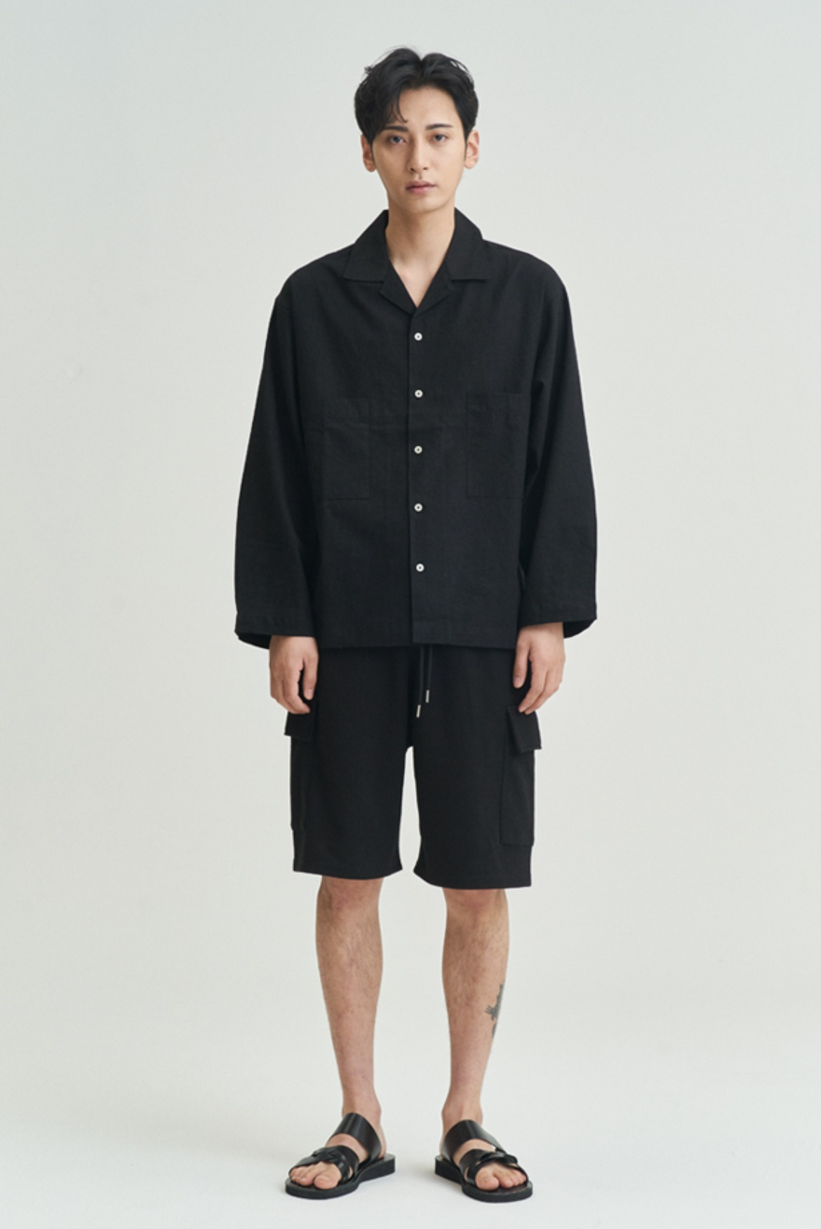 Classic Sweat Cargo Shorts [Black]