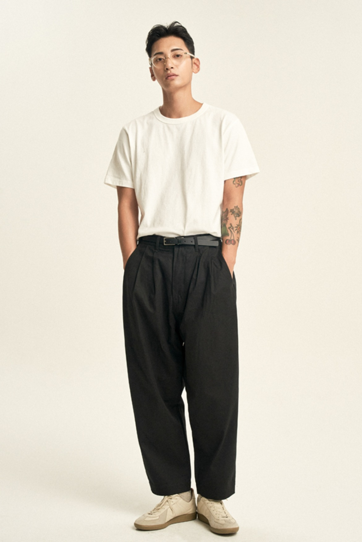 4 Tuck Cotton Pants [Black]