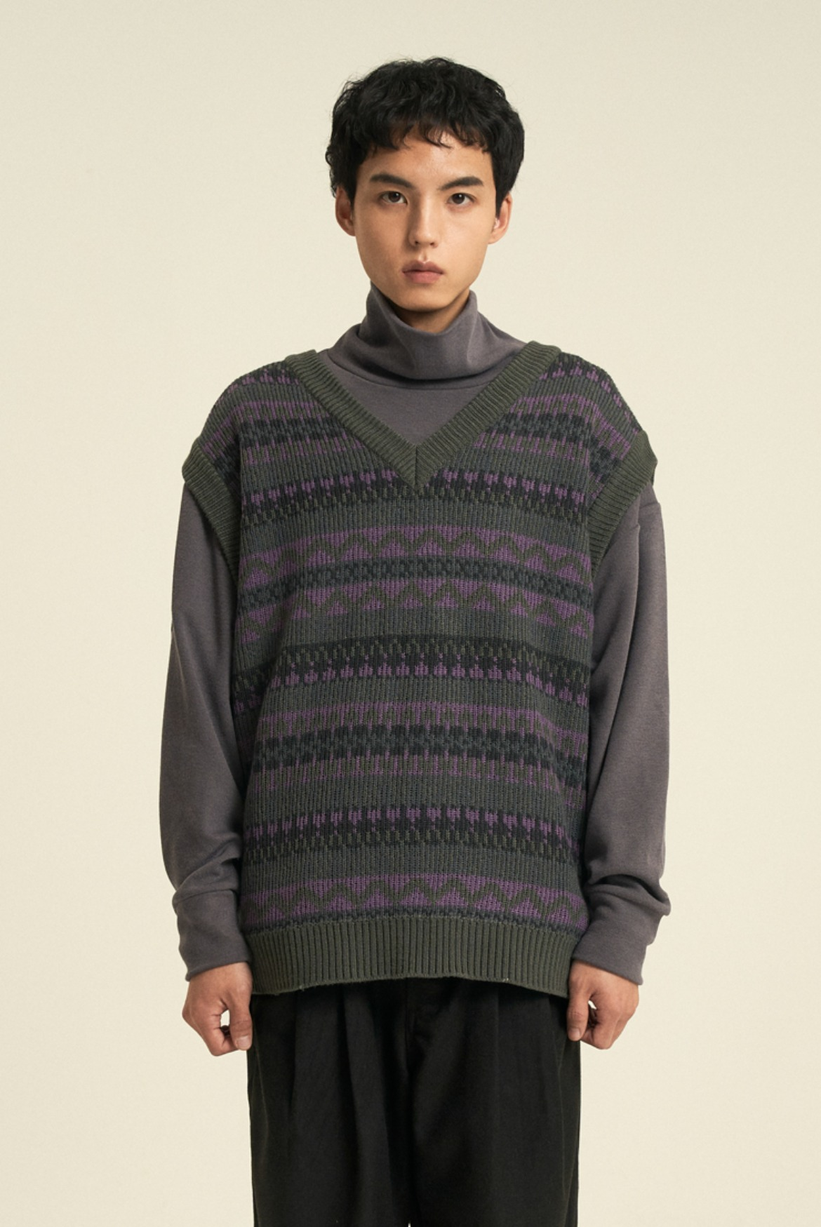 Fair Isle V-neck Knit Vest [Charcoal]