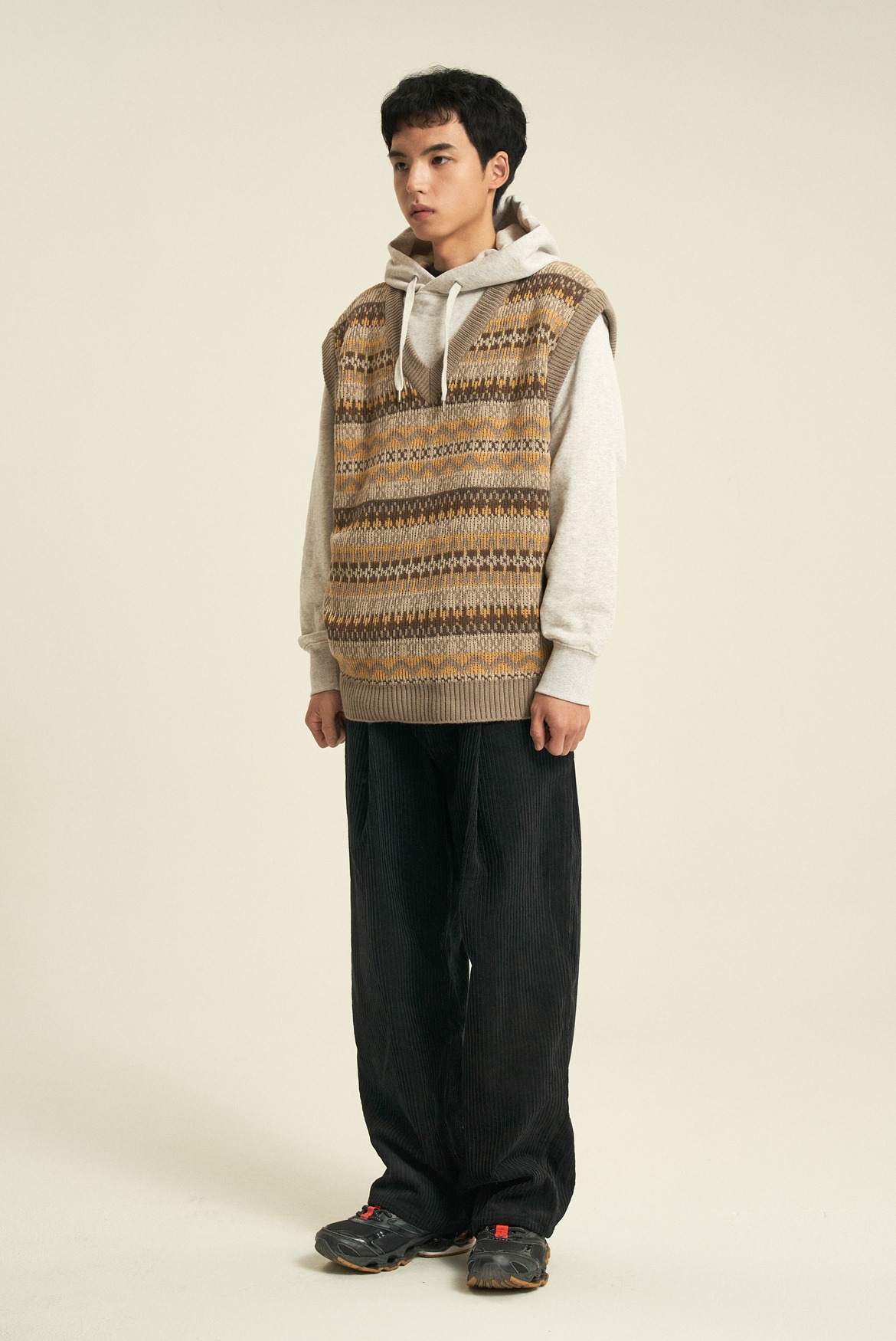 Corduroy Deep One Tuck Pants [Black]