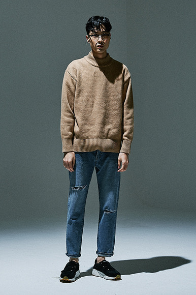Mock Neck Sweater [Carmel]