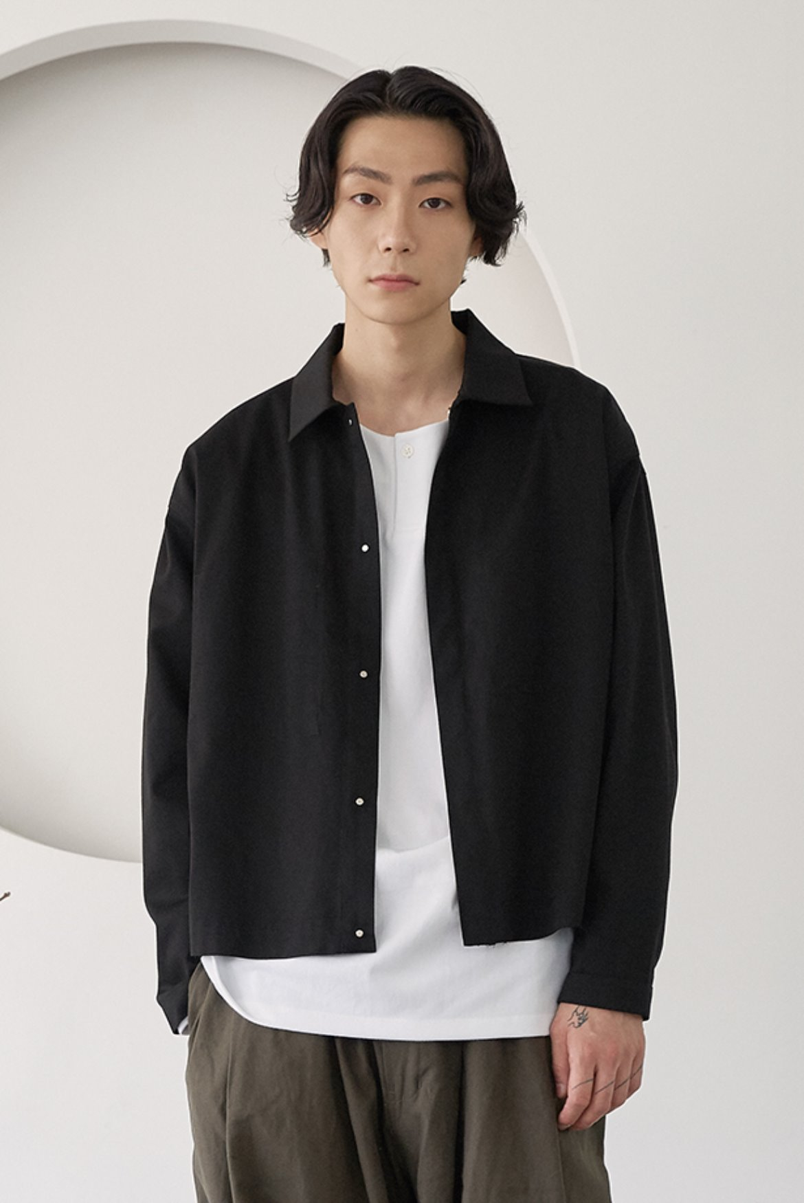 Chino Hidden Button Short Jacket [Black]