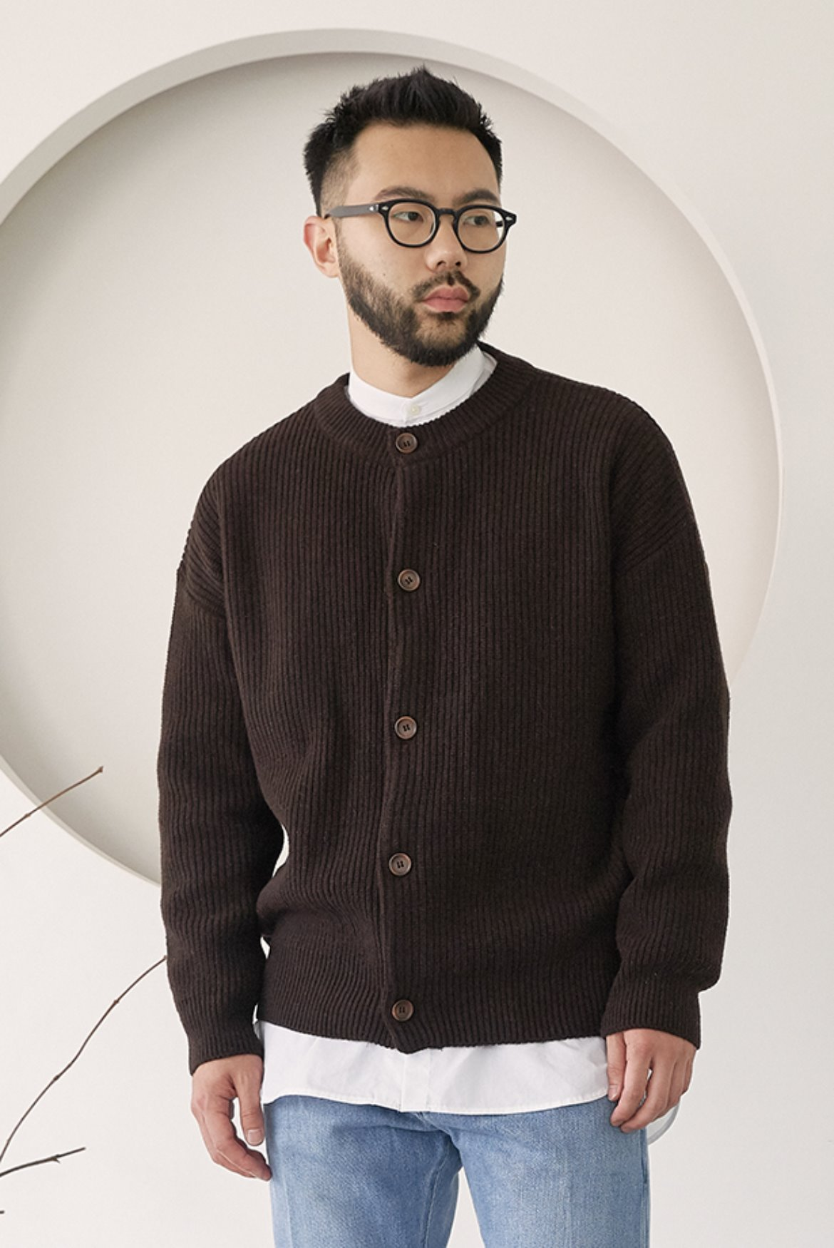Concise Round Neck Cardigan [Brown]