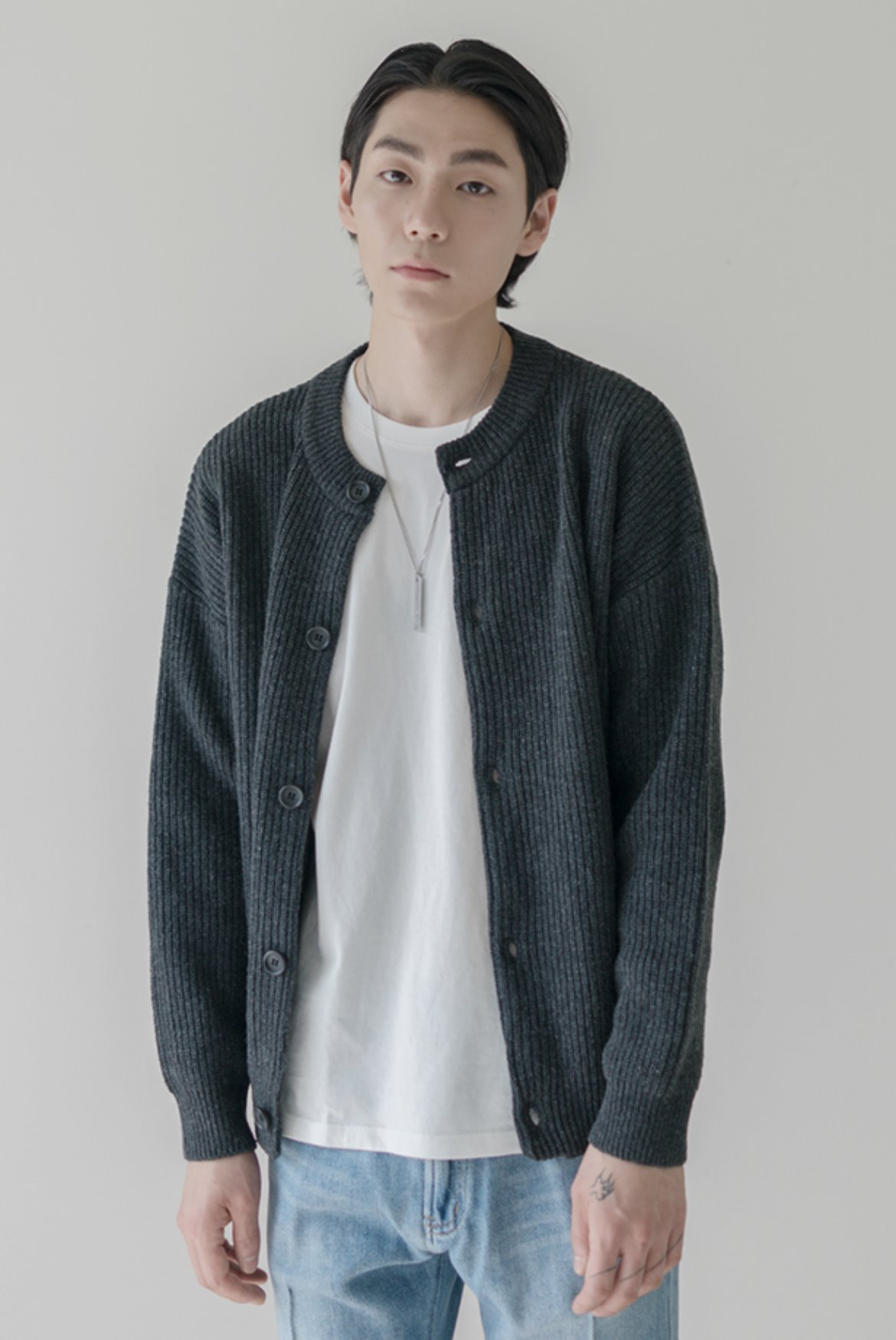 Concise Round Neck Cardigan [Charcoal]