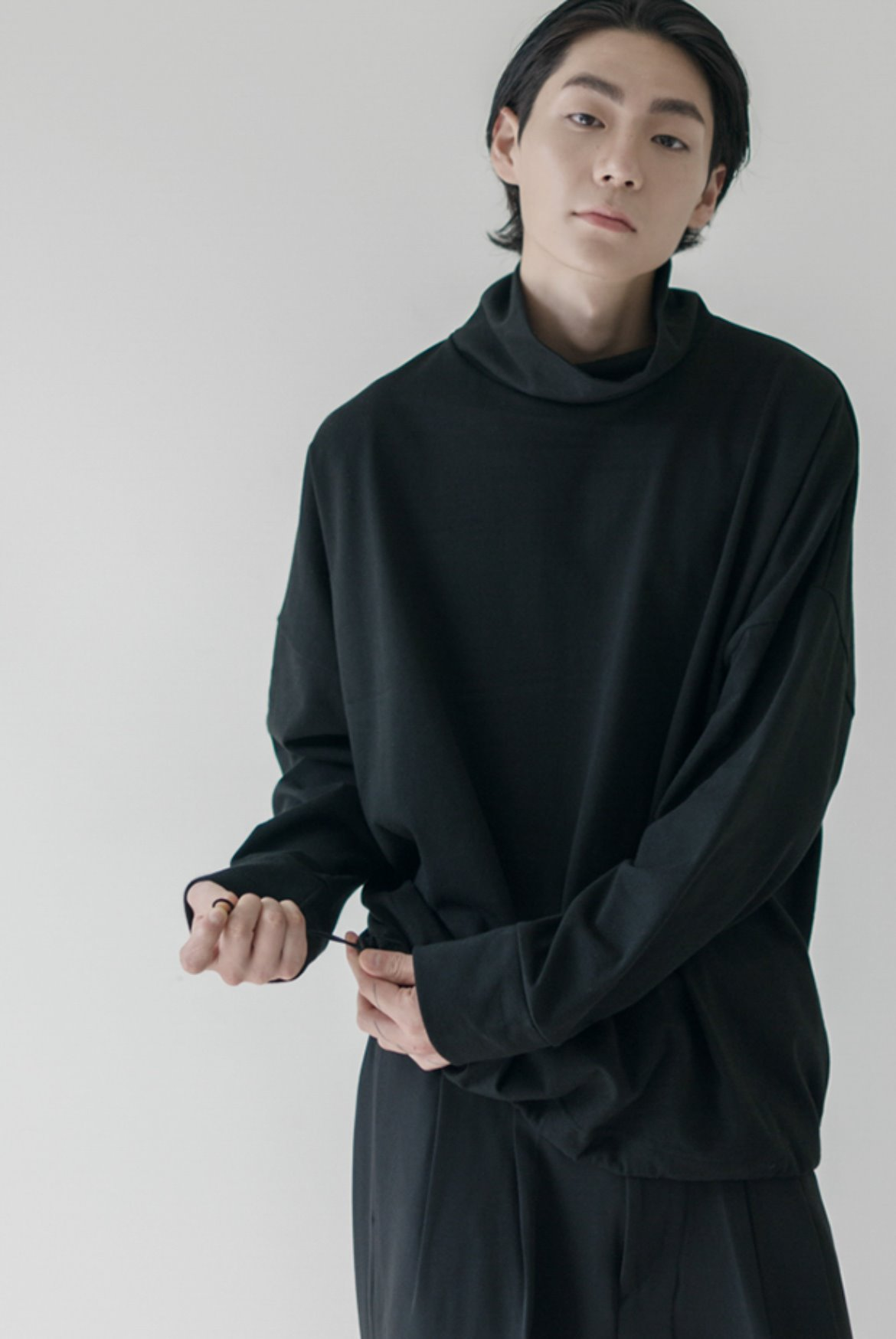 High Neck String L/S T-Shirts [Black]