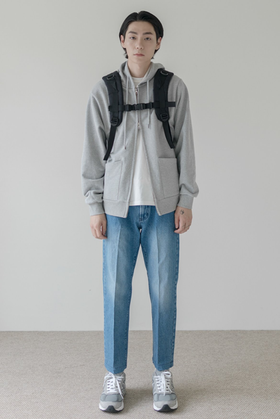 Ankle Cut Standard Denim Pants [Light Blue]