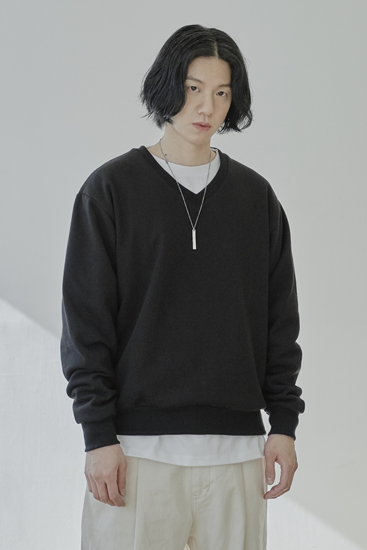 V-Neck Short Sweat Shirts [Black]