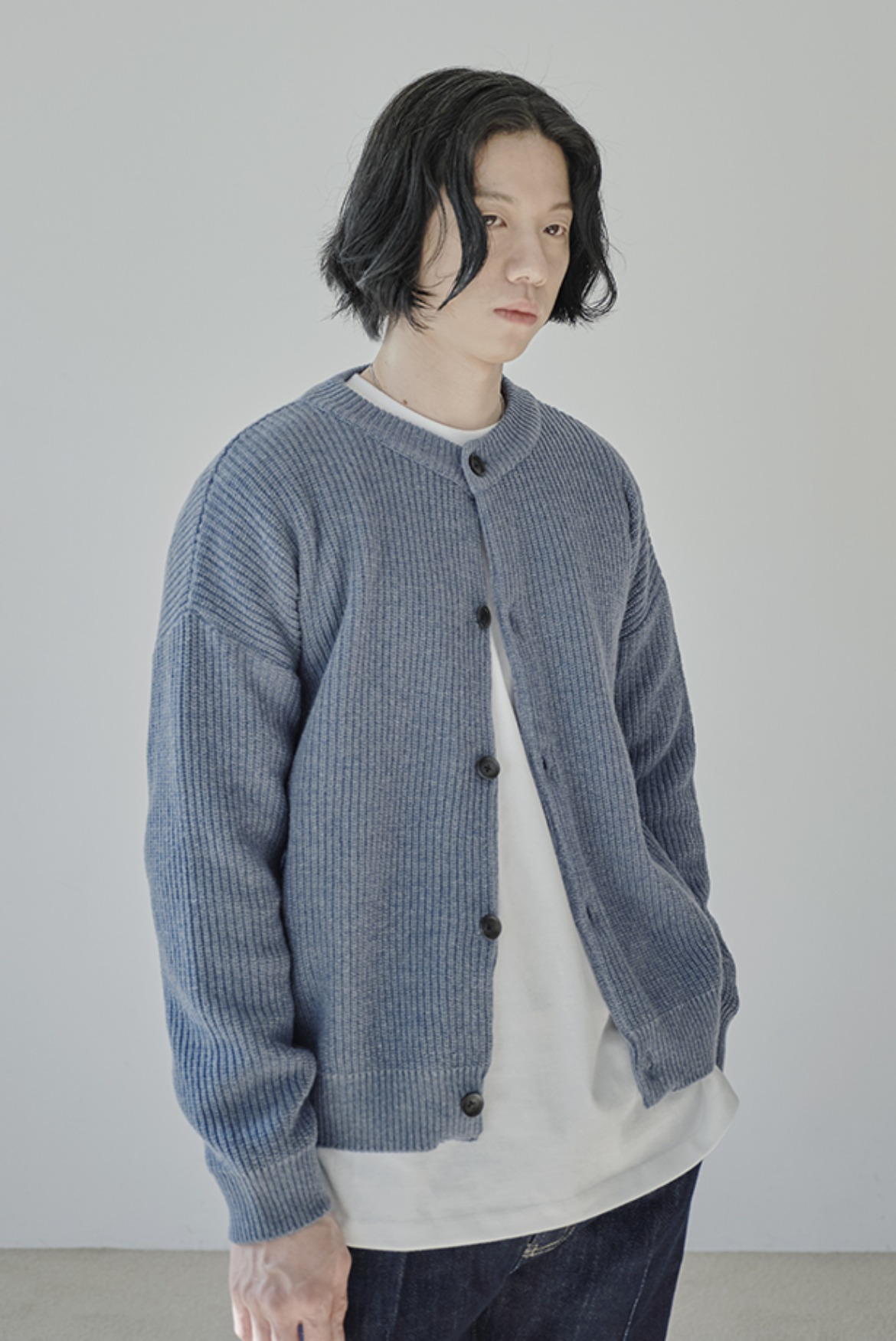 Concise Round Neck Cardigan [Light Blue]
