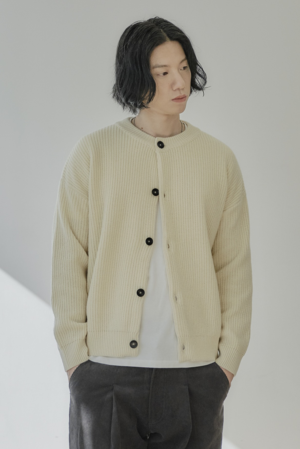Concise Round Neck Cardigan [Egg White]