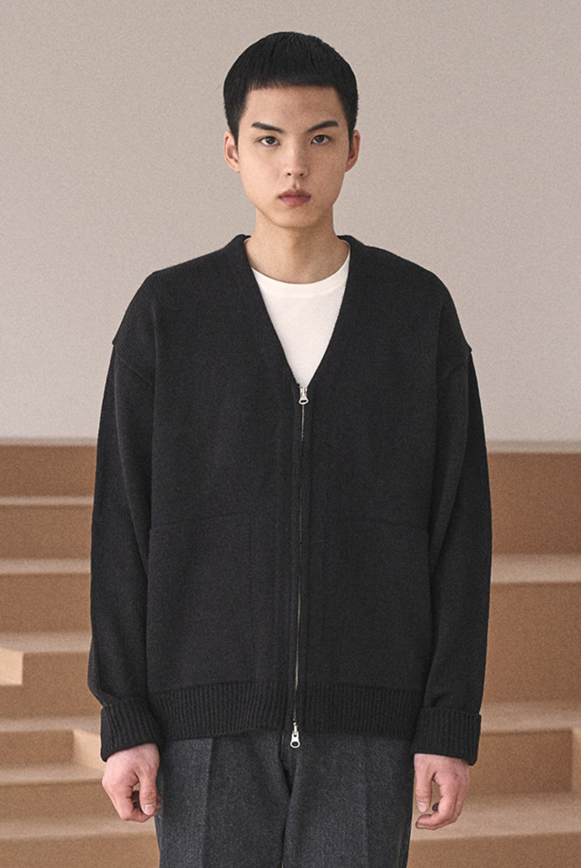 (2월 27일 예약배송) 2Way Zip Knit Cardigan [Black]