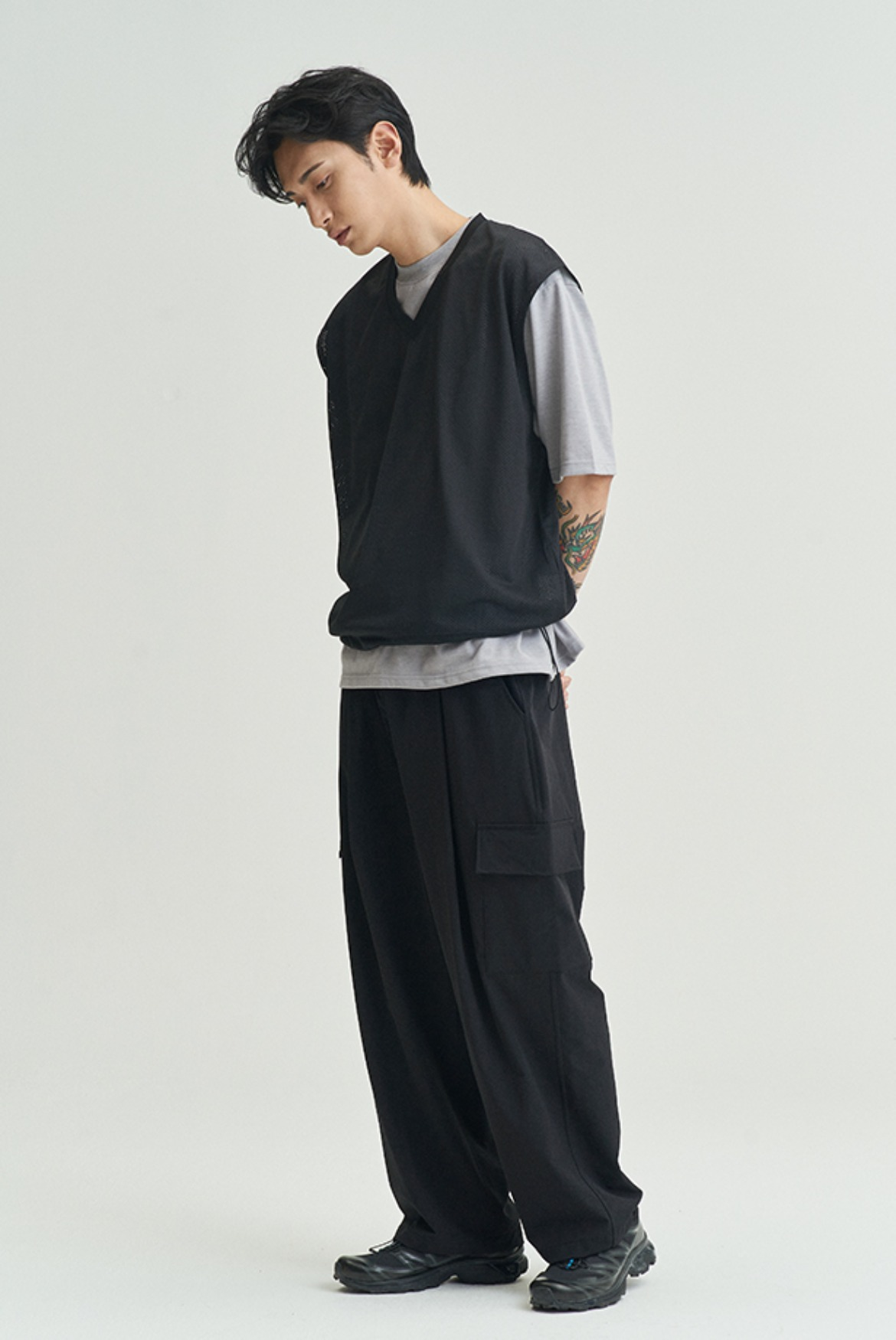 Deep One Tuck Cargo Pants [Black]