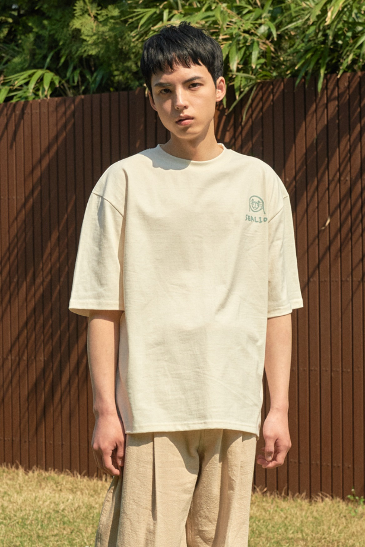 Sealion Drawing T-Shirts [Cream]