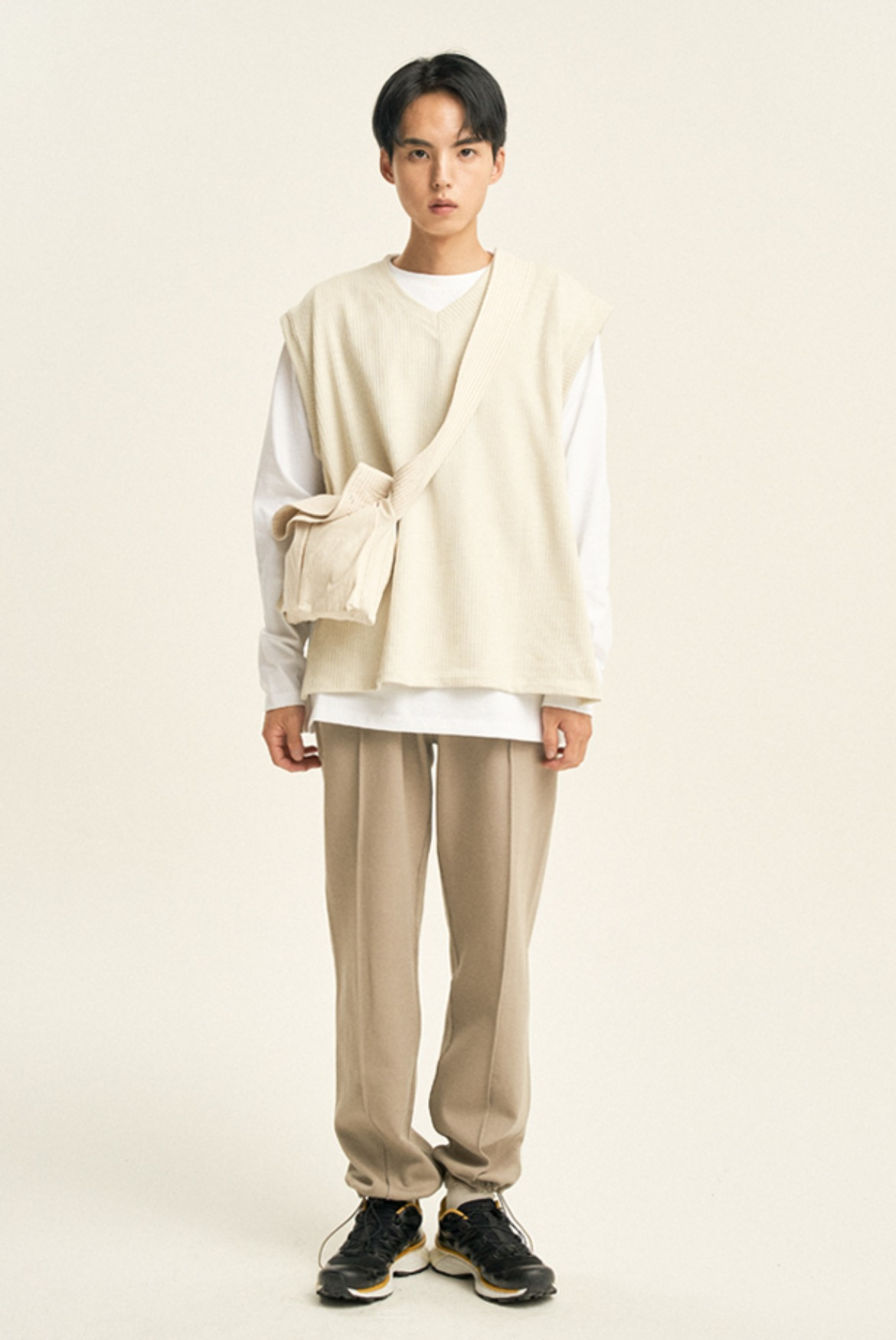 Pin Tuck String Sweat Pants [Light Khaki]