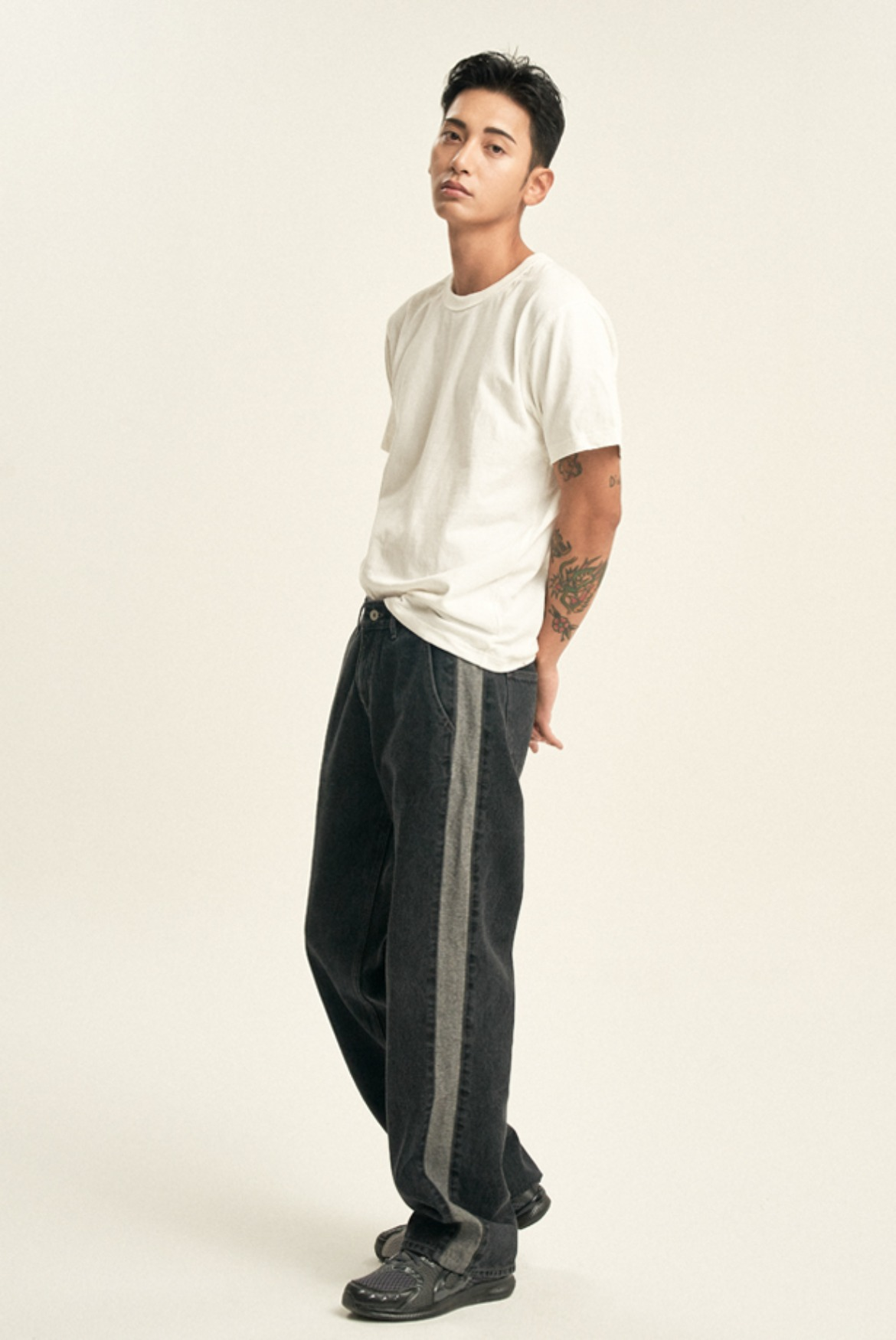 Side Line Reverse Denim Pants [Black]