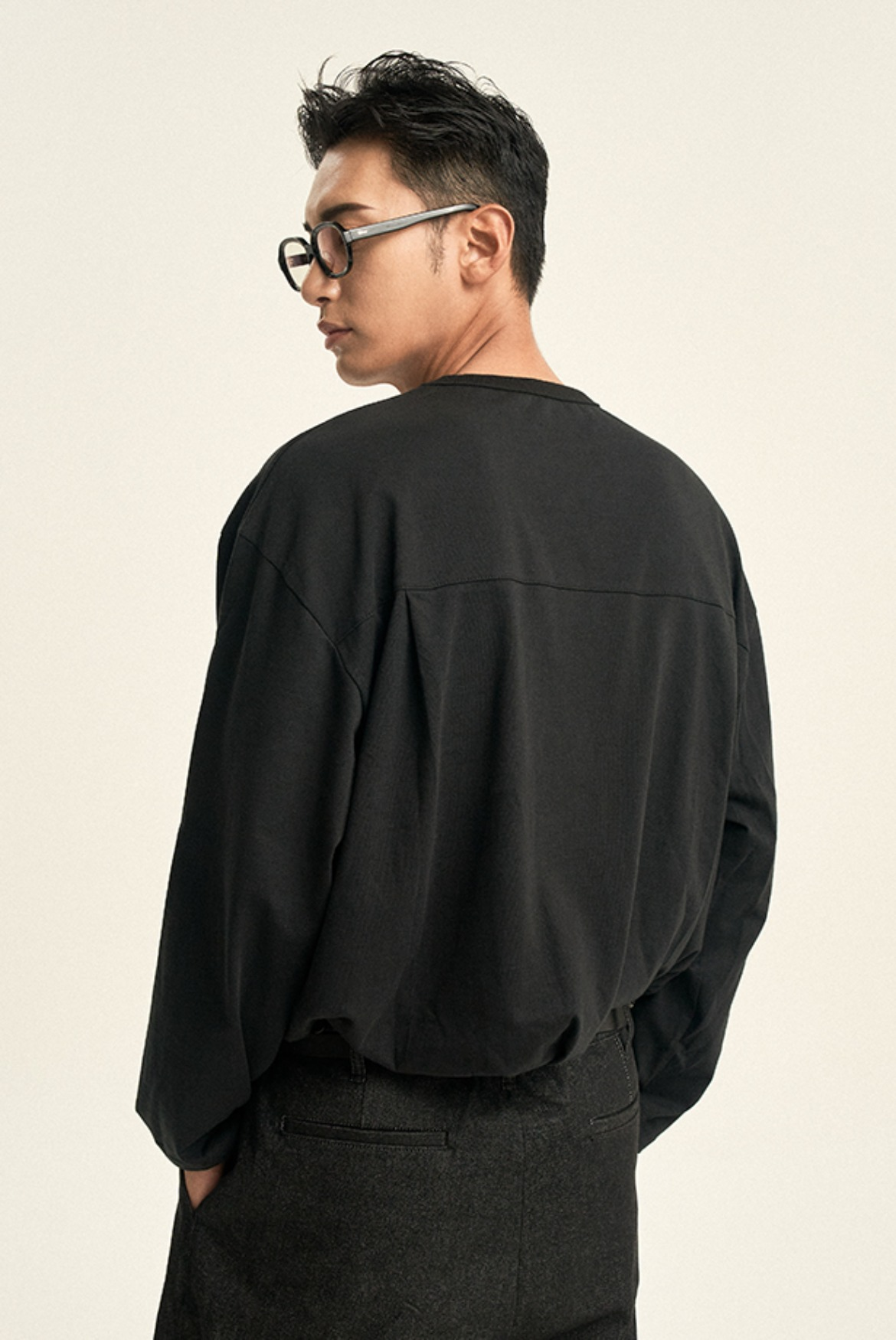 Deep Tuck L/S T-Shirts [Black]