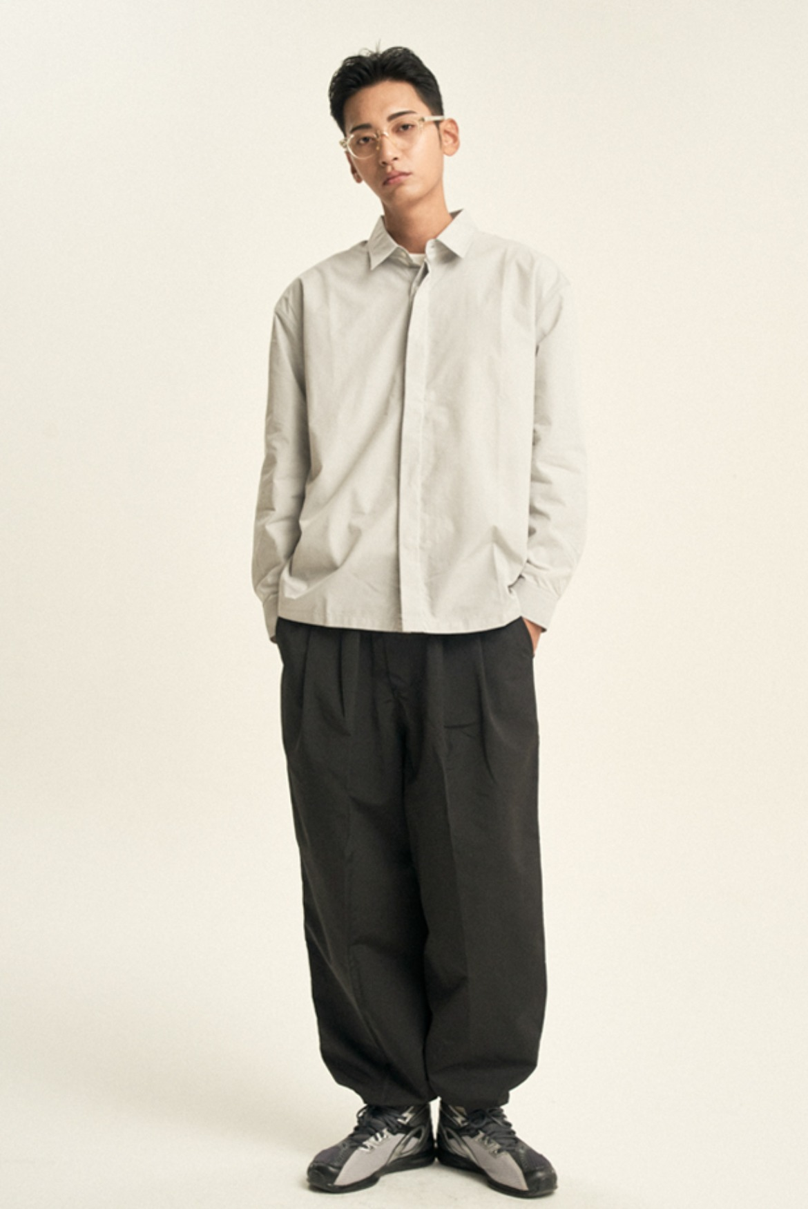 Two Tuck Slacks String Pants [Black]